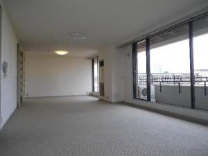 L7階室内3