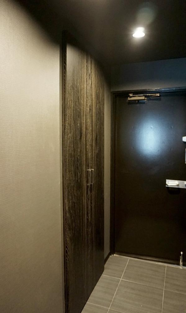 サンライン南青山ハイツ201玄関中2.jpgのサムネイル画像