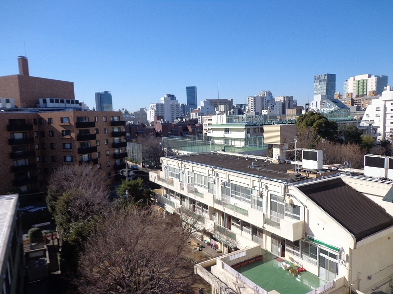 秀和青南レジデンス706号室眺望 (2)