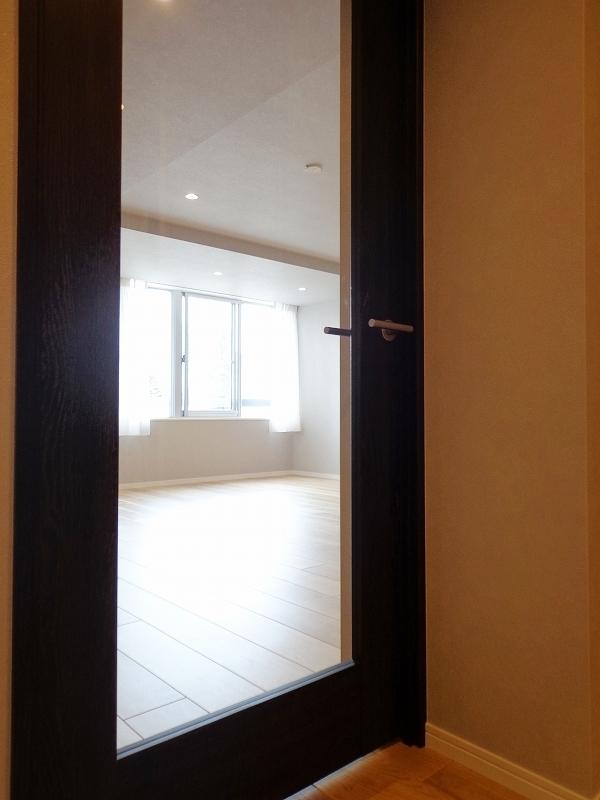 青山コーポラスの室内ドア