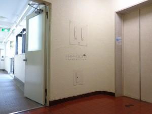 秀和第2北青山レジデンスのエレベーター