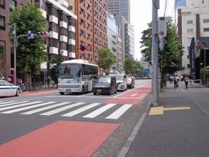 永谷ヒルプラザ六本木-前面道路(外苑東通り)