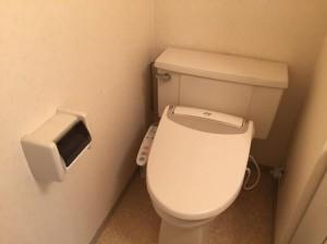 J12トイレ