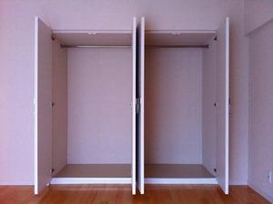 softaoyama-closet2.jpg