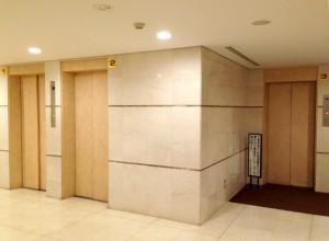 三田ハウスエレベーターホール