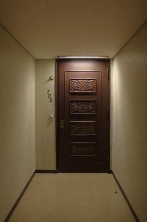205玄関ドア入口