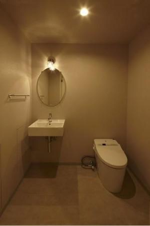 205トイレ