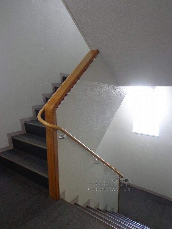 赤坂パインクレスト-共用階段