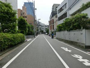 シャトー赤坂_前面道路