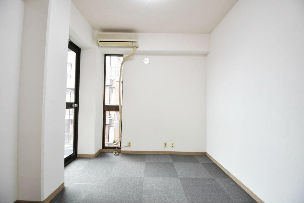 ソフトタウン青山_4F室内写真