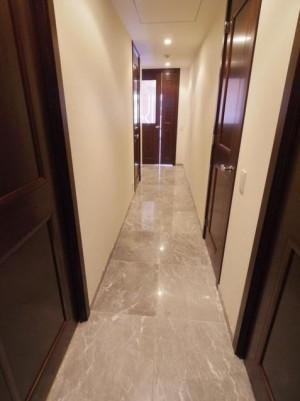 304室内廊下