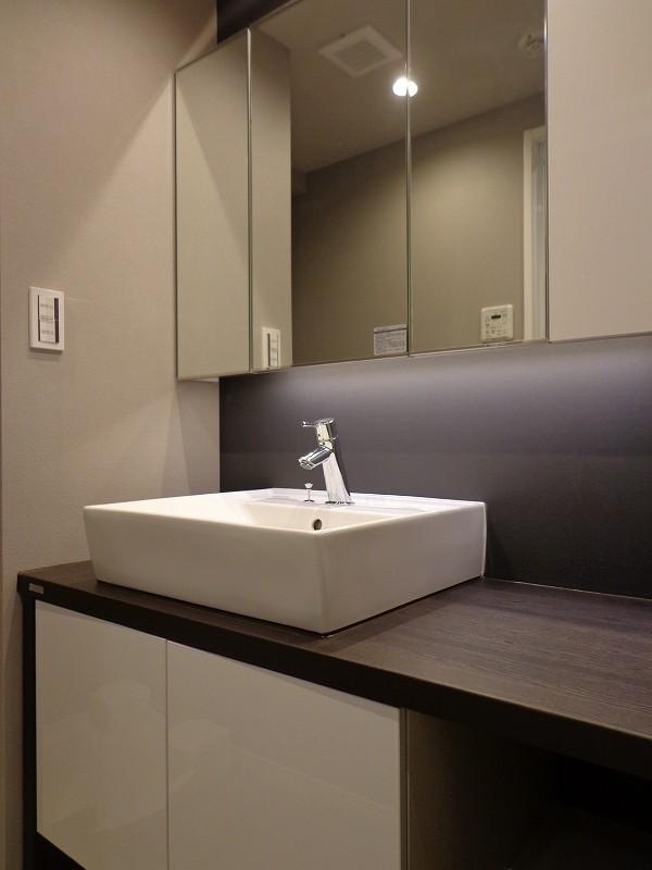 青山コーポラスの洗面化粧台