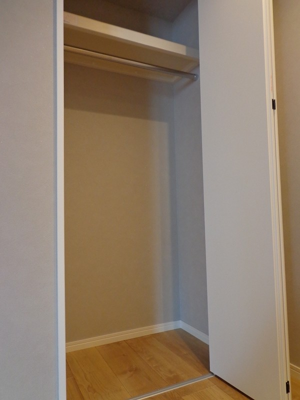 青山コーポラスの洋室のクローゼット
