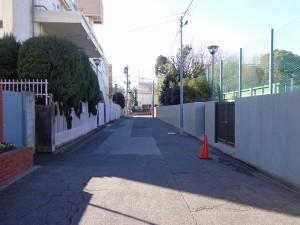 南青山スカイハイツの前面道路画像