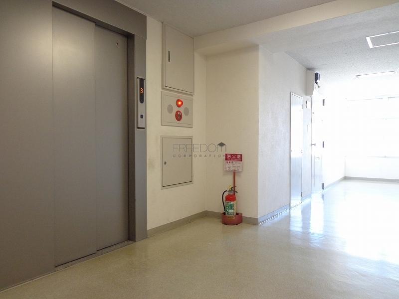 南青山スカイハイツのエレベーター