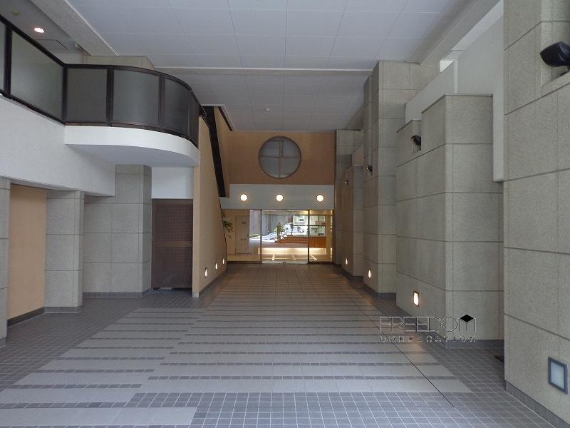 赤坂パインクレスト外観写真