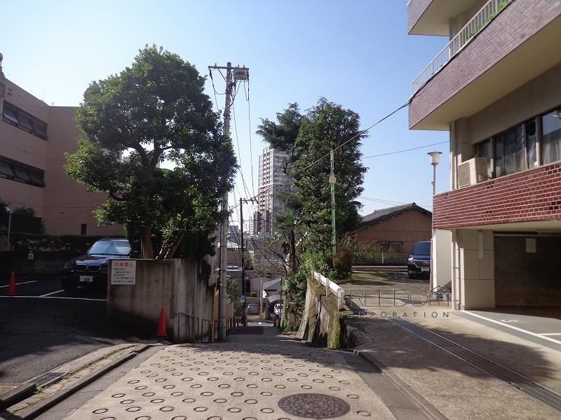 マンション目黒苑-前面道路