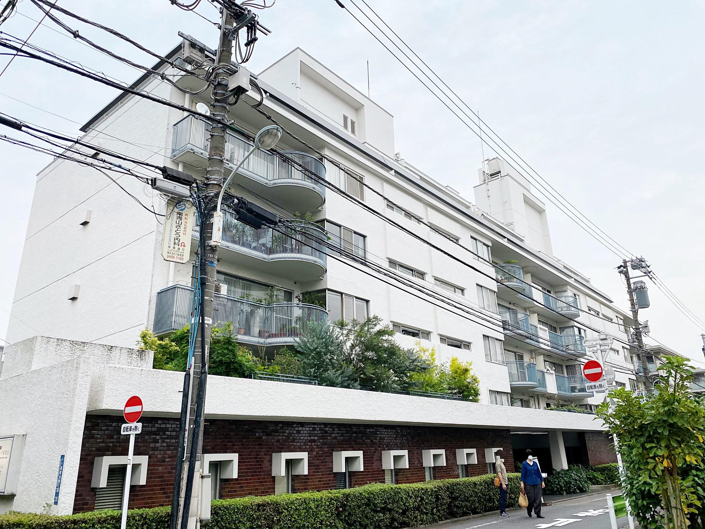 南青山アパートメンツ